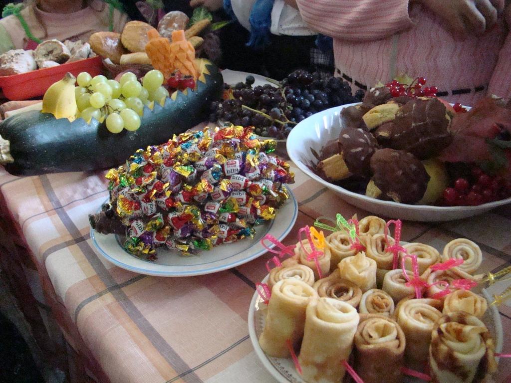 Имбирное  также такое печенье можно приготовить на хэллоуин, ведь, как известно, пауки, мумии, монстрики и тому подобные страшилки - это символы самого таинственного и мистического праздника в году.
